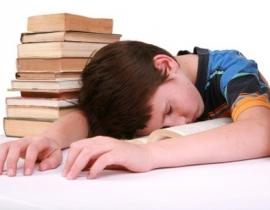 """Học thêm chuẩn bị vào lớp 1: Con """"nhai lại"""" kiến thức, cô giáo ỷ lại"""